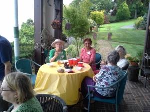 picnic Linda Padma Liz